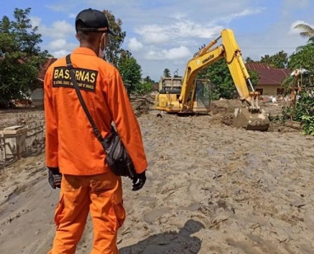 Basarnas Masih Mencari 10 Korban Banjir Luwu Utara