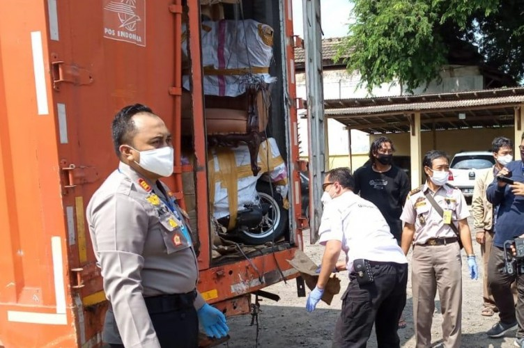 Bawa Daging Celeng, Polisi Amankan Truk Berlogo PT Pos Indonesia