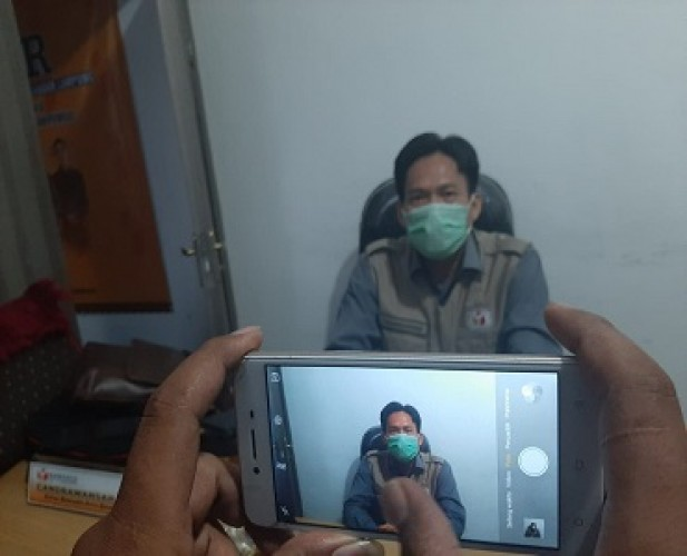 Bawaslu Bandar Lampung Klaim Tidak Tebang Pilih Tertibkan APK