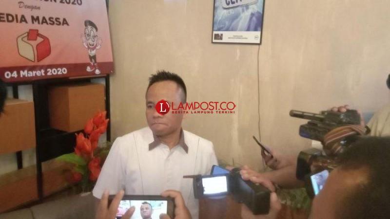 Bawaslu Tertibkan Puluhan Ribu APK di Lampung