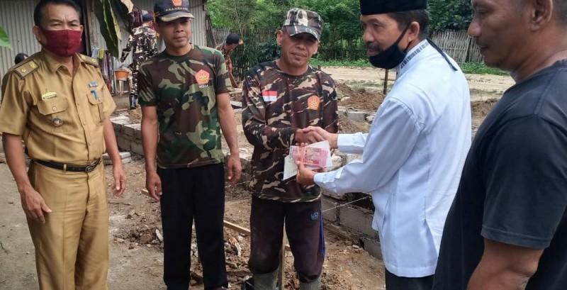 Baznas Bedah Dua Rumah Tidak Layak Huni di Tulangbawang Udik