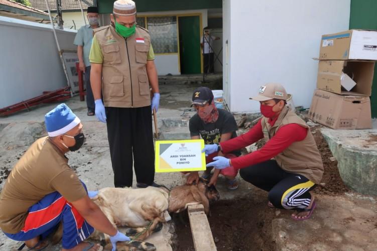Baznas Salurkan Daging Kurban ke Warga Bandar Lampung
