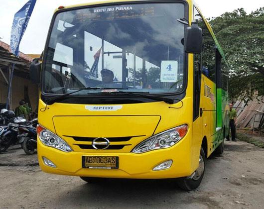 Hino dan JTT Serah Terima 15 Unit Bus Trans Jogja
