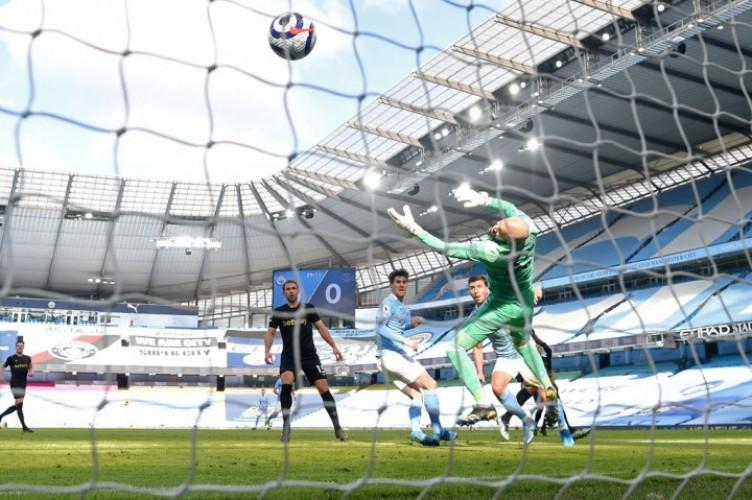 Bek Tengah Manchester City Bawa Kemenangan Atas West Ham United