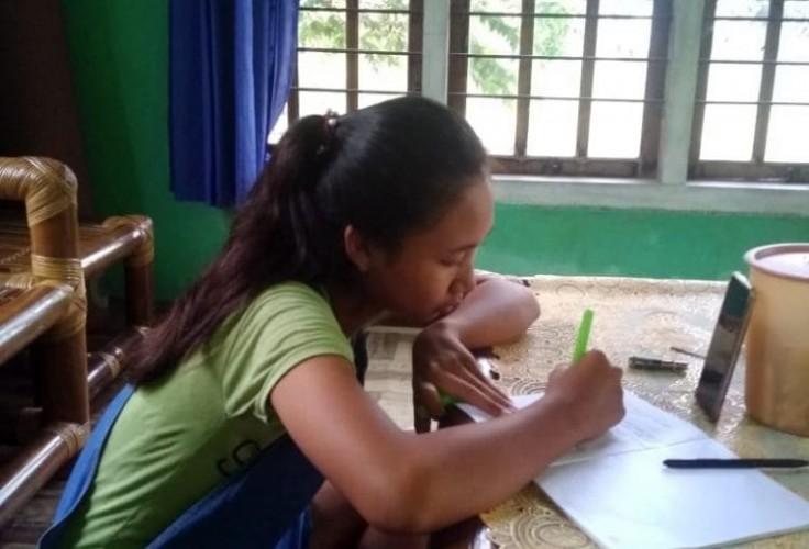 Belajar Daring Dikeluhkan Orang Tua di Sragi