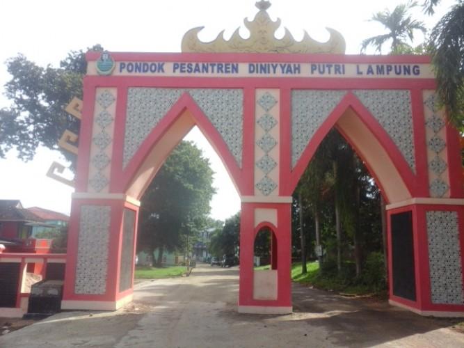 Belasan Santri Diniyyah Putri Lampung Diare Massal