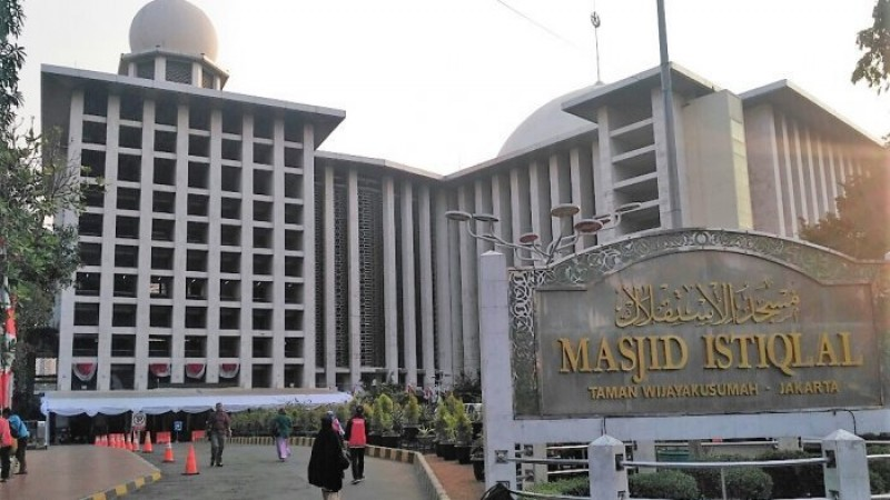 Benda Mencurigakan Dekat Masjid Istiqlal Diledakkan