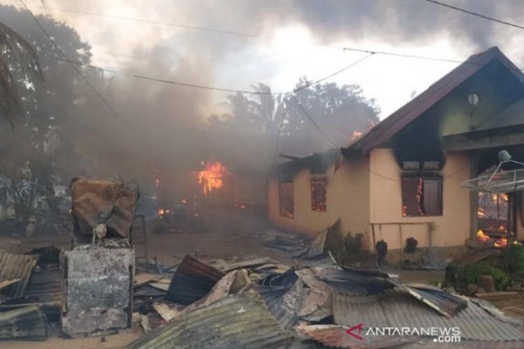 Bentrok Warga di Buton, TNI dan Polri Turun  Redam Konflik