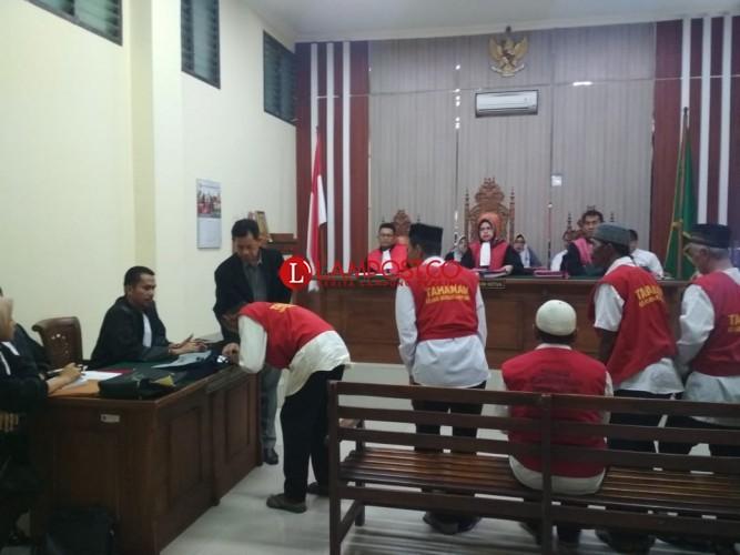 Berjudi,Lima Pria Divonis 18 Bulan Penjara