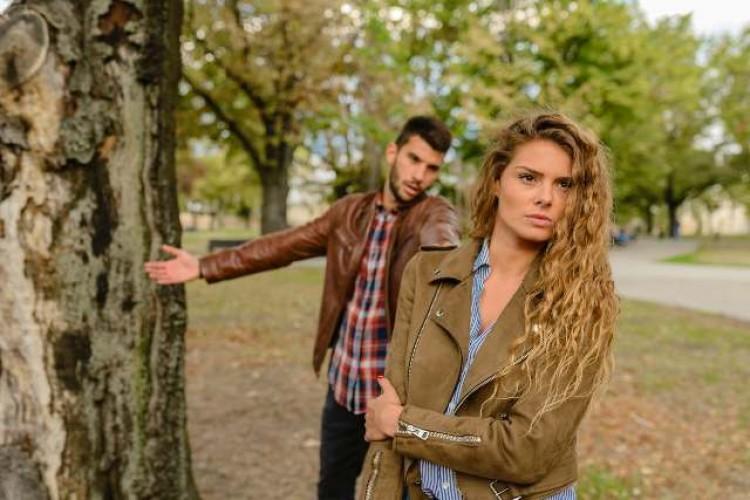Berurusan dengan Sifat Posesif dalam Hubungan