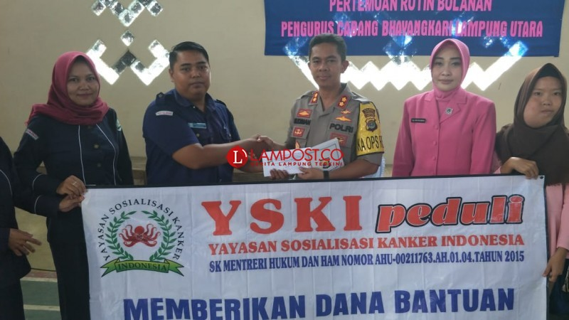 Bhayangkari Lampung Utara Beri Bantuan Penderita Kanker