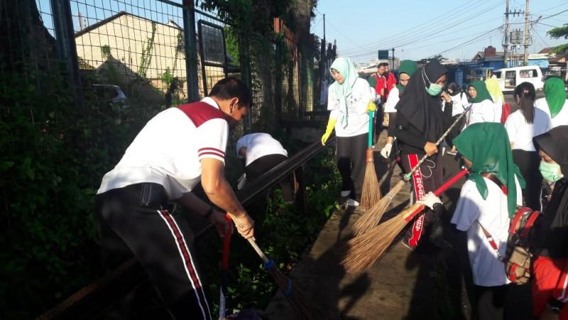 Bhayangkari Lampung Utara Gelar Giat Bersih-bersih