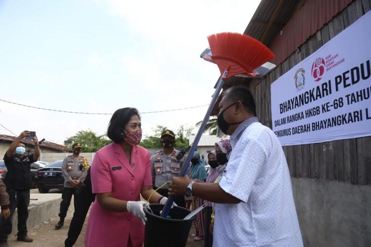 Bhayangkari Polda Lampung Dirikan MCK dan Sumber Air Bersih