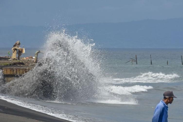BMKG: Gelombang Tinggi 6 Meter di Sejumlah Perairan