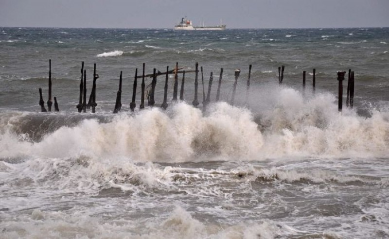BMKG: Waspada Gelombang Tinggi di Sejumlah Perairan