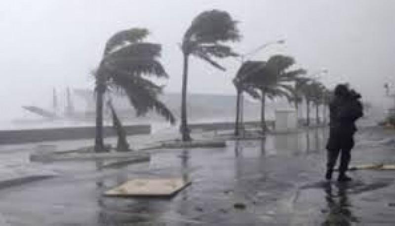 Warga Lampung Diminta Waspada Hujan Angin