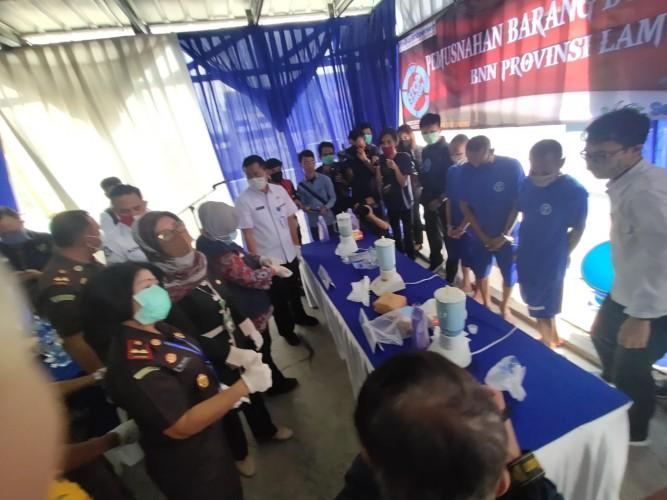 BNN Lampung Musnahkan 2,81 Kg Sabu Asal Aceh