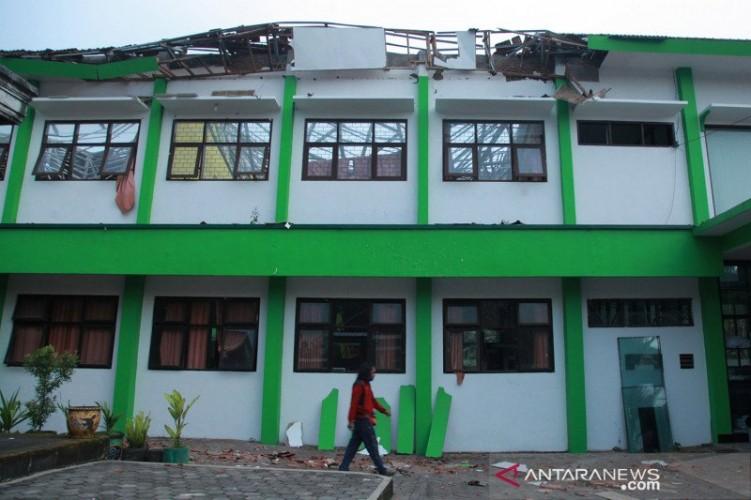 BNPB Sebut Lebih dari 300 Rumah di Jatim Rusak