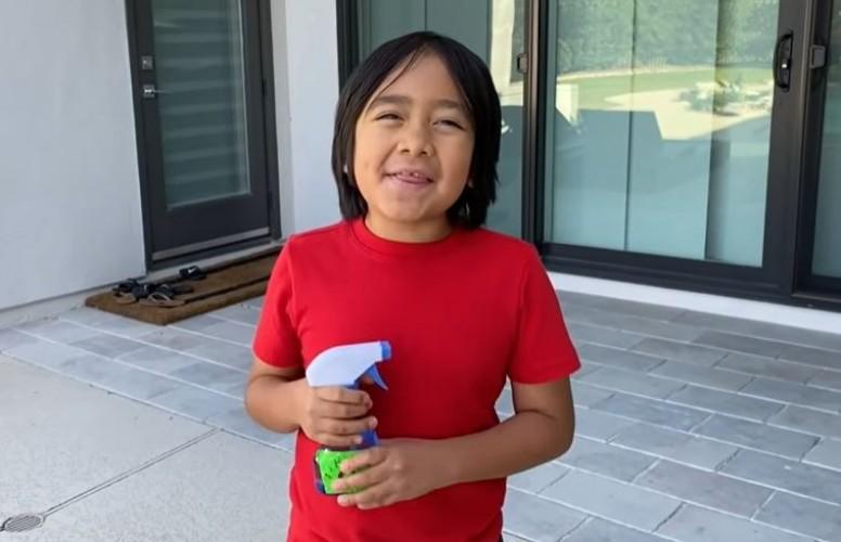 Bocah 9 Tahun Ini Jadi YouTuber dengan Bayaran Tertinggi di Dunia