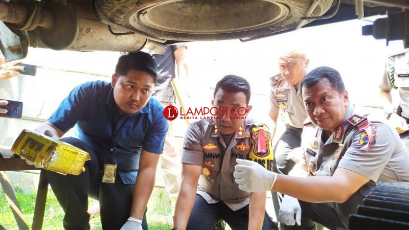 Bongkar Modus Penyelundupan Sabu di Kolong Mobil, Polres Lamsel Amankan 9 Pelaku