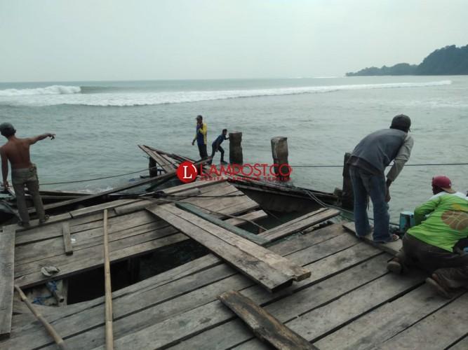 Bongkar Muat Barang Pindah ke Dermaga Bom Kalianda
