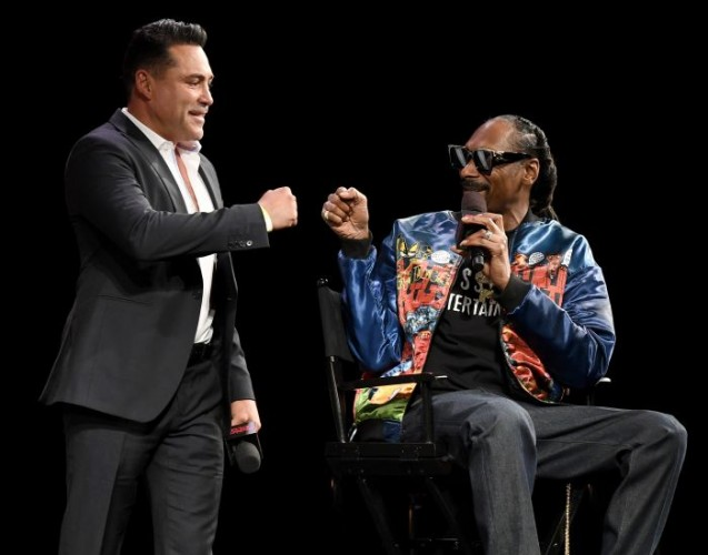 Bosan Pensiun, Oscar De La Hoya Kembali Naik Ring