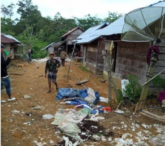 BPBD Lambar Serahkan Bantuan Korban Amukan Kawanan Gajah