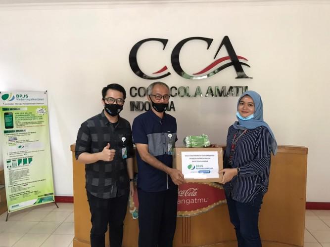 BPJamsostek Bandar Lampung Beri Bantuan Ribuan Masker ke Sejumlah Perusahaan