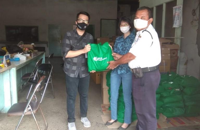BPJamsostek Bandar Lampung Salurkan 450 Paket Sembako ke Perusahaan Terdampak Covid-19