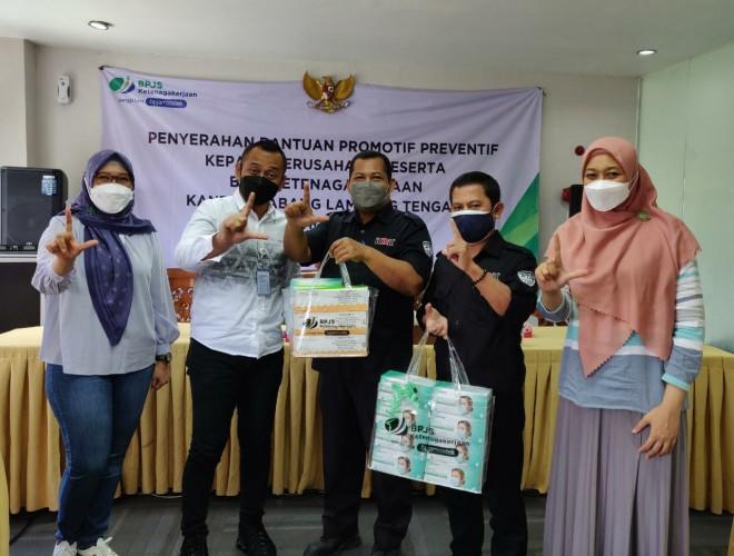 BPJamsostek Lamteng Salurkan Bantuan APD hingga Pelatihan K3 kepada Perusahaan Peserta