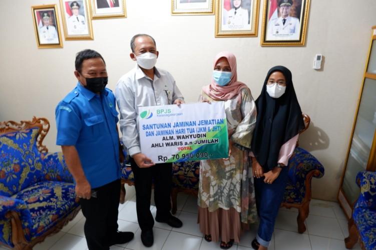 BPJamsostek Salurkan JKM dan JHT ke Ahli Waris Pegawai PDAM Tirta Jasa Lamsel