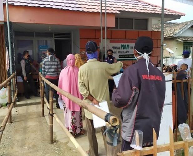 Bantuan Tunai di Desa Bumijaya Diduga Disunat Rp100 Ribu
