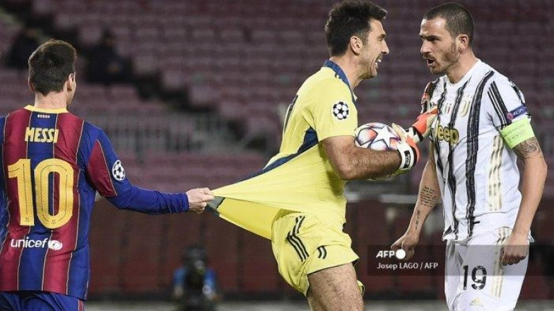 Buffon, Sang Kakek yang Bikin Messi Frustrasi