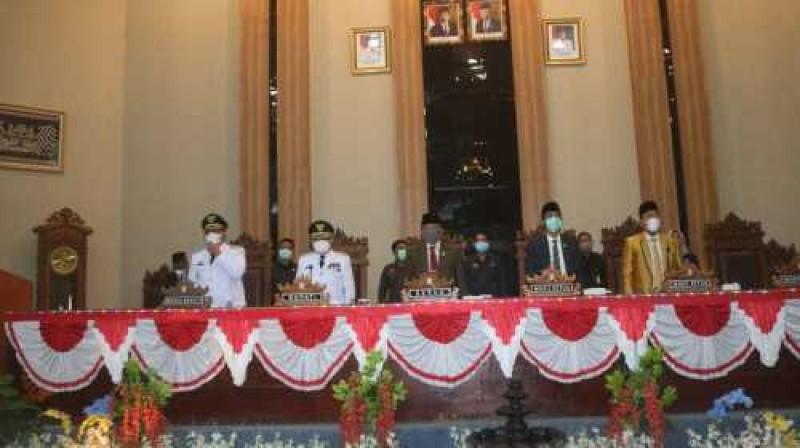 Bupati Lampung Timur Tampil Perdana di Paripurna DPRD