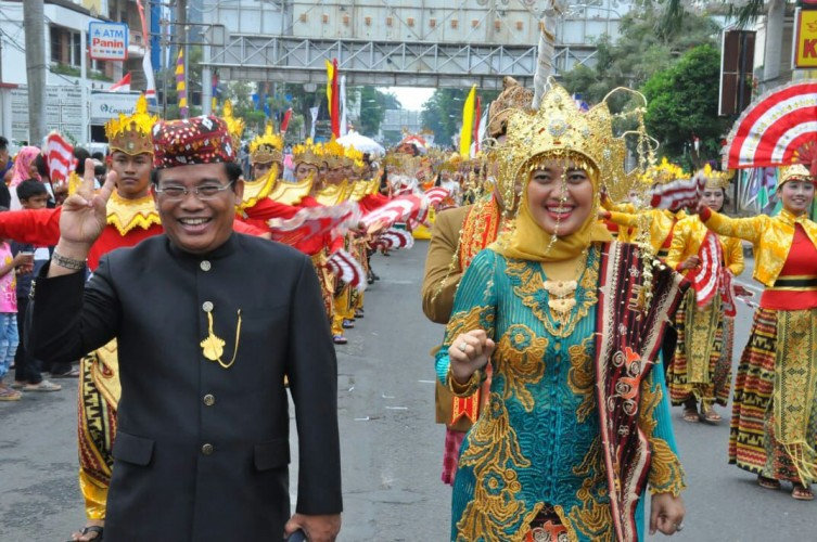 Bupati Lamtim Meriahkan Karnaval Budaya dan Pakaian Fantasi dalam Festival Krakatau 2018