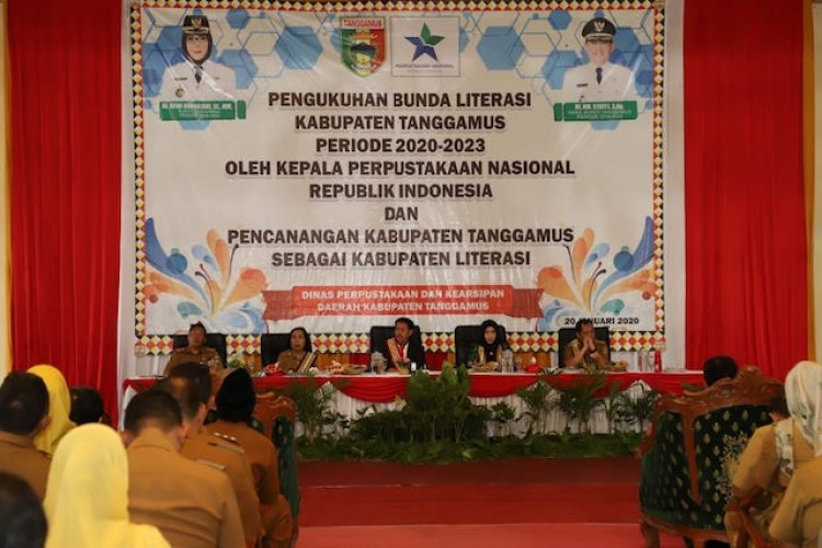 Bupati Tanggamus Menambah Deretan Bunda Literasi Daerah