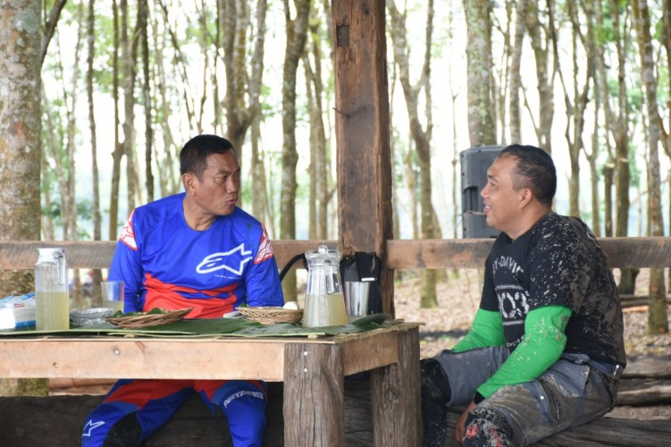 Bupati Tubaba dan Pangdam II Sriwijaya Olahraga Bersama Jelajahi Alam