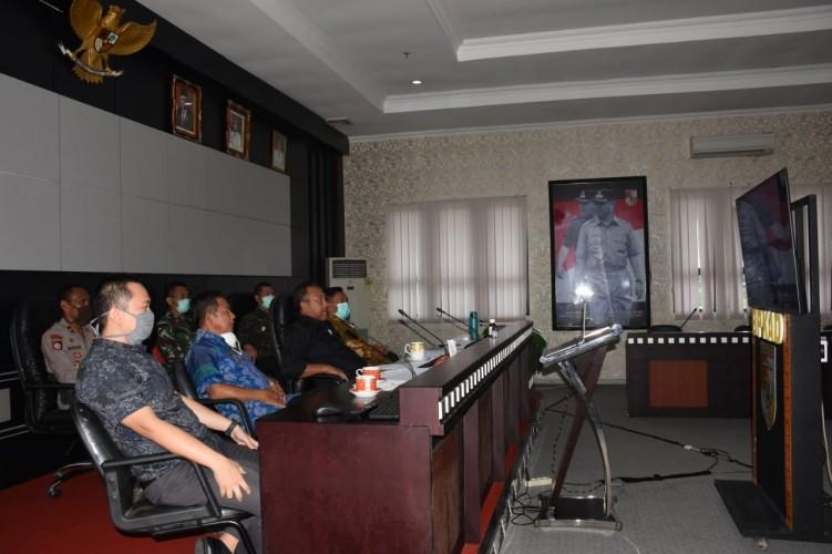 Bupati Tubaba Teleconference Bersama Kepala Daerah se-Lampung Bahas Covid-19