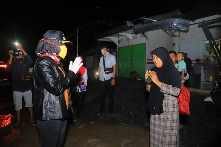 Bupati Winarti Janji Membantu Korban Puting Beliung Tulangbawang