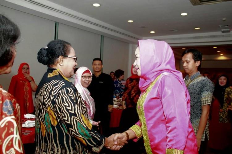 Bupati Winarti Ikuti Forum Pemimpin Perempuan