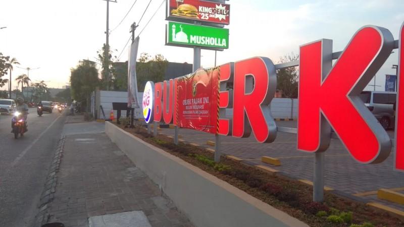 Burger King Bandar Lampung Masih Menunggak Pajak