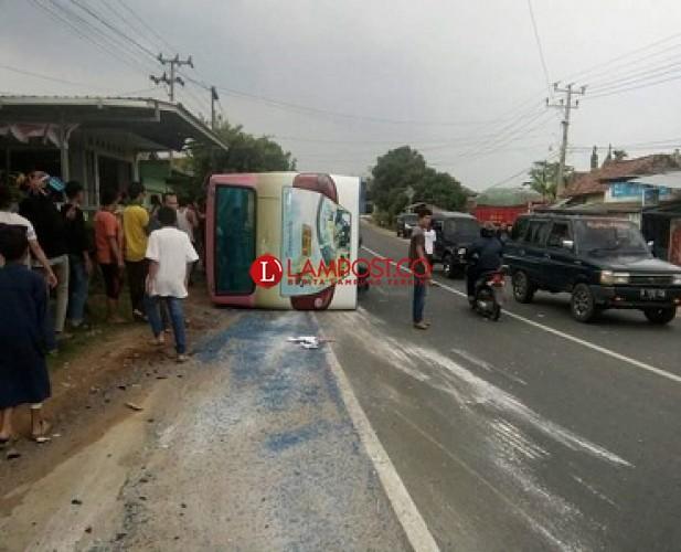 Bus Darma Duta Terbalik, 15 Penumpang Terluka