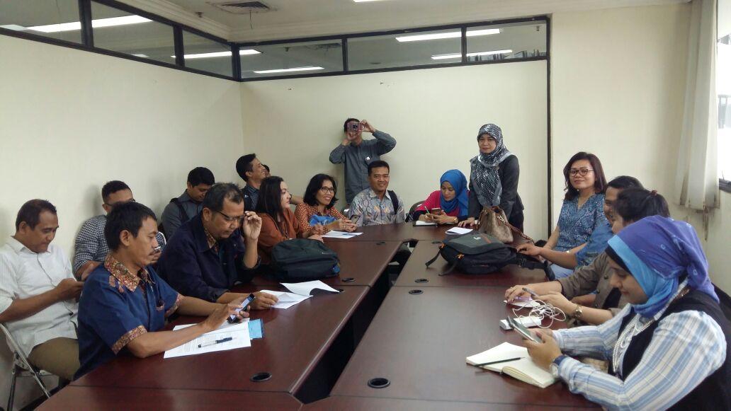 Mediasi antara Eks Karyawan dan PT Sanofi Ditunda