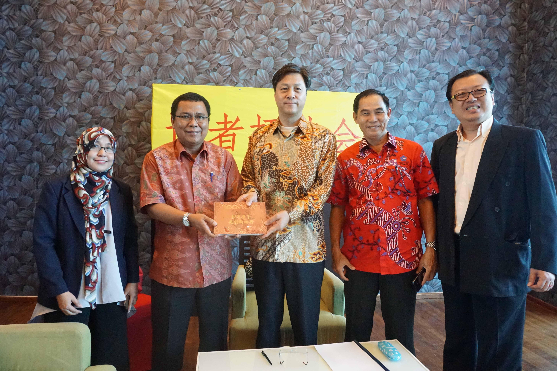 Konjen Tiongkok Tertarik Wisata Pesisir Lampung