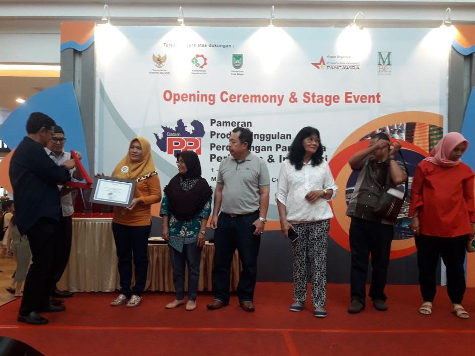 Ikut Pameran Produk Unggulan Pariwisata di Batam, Lambar Raih Juara Harapan III