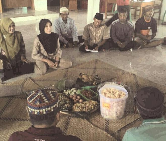 Warga Desa Kejadian Syukuran Tanda Dimulainya Pembangunan Balai Desa