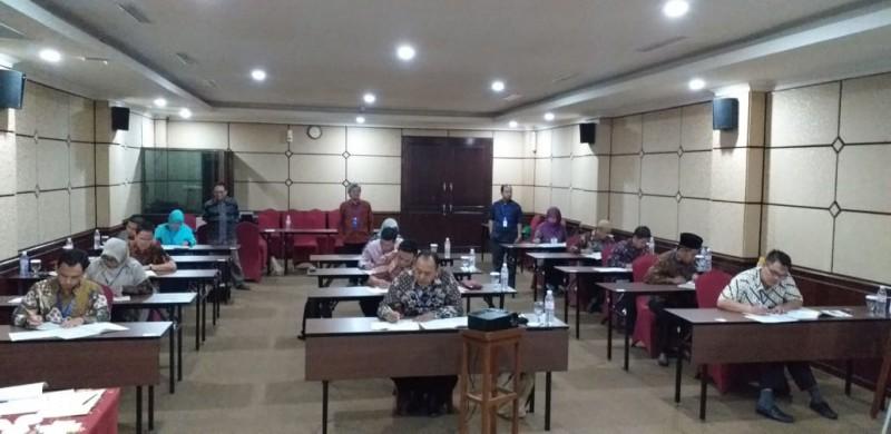 Calon Anggota KPU Lampung Serius Ikuti Psikotes