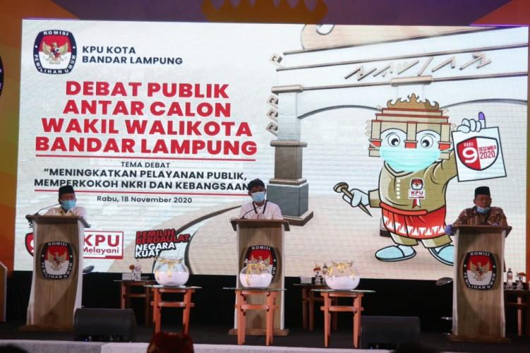 Calon Wakil Wali Kota Saling Lempar Pertanyaan