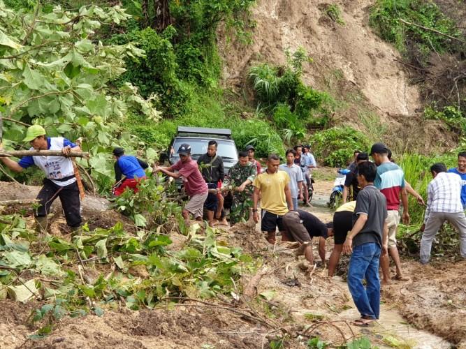 Camat di Pesawaran Diimbau Waspada Longsor dan Banjir