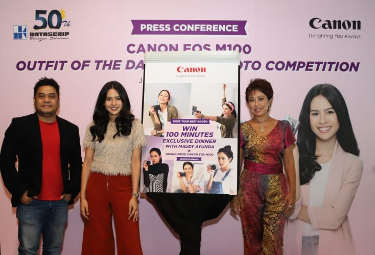 Canon Gelar Lomba Foto Outfit of The Day